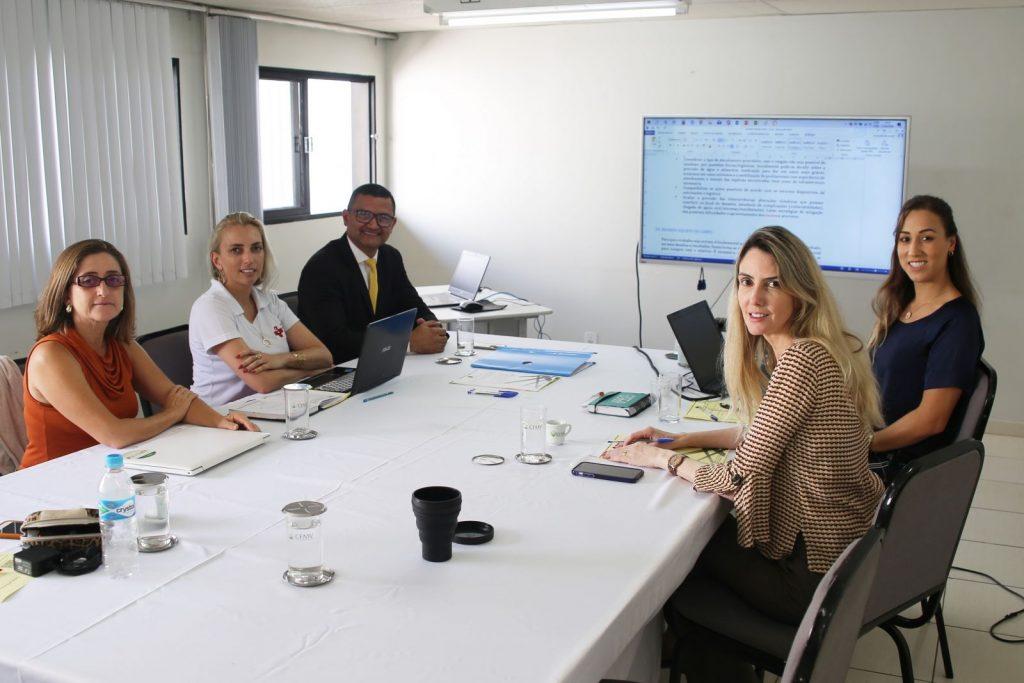 Medicina Veterinária Legal e GT de desastres reúnem-se no CFMV