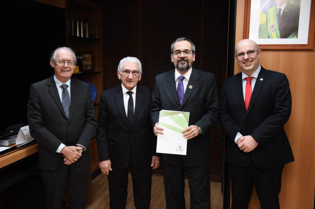 16-07-2019 - Diretoria visita ministro da Educação, Abraham Weintraub